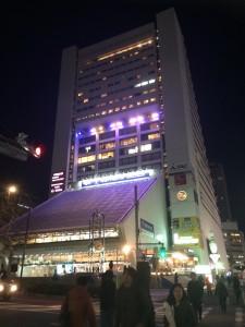 渋谷公会堂、AX , 日本青年館、そして、中野サンプラザ……。思い出いっぱいの会場がどんどんなくなっていくのは、寂しいです。