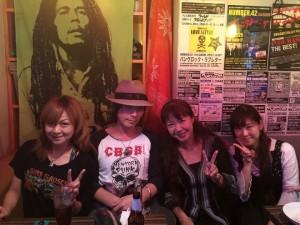 加奈ちゃん、澄田くん、わたし、元某音楽誌編集のSちゃんで、記念写真☆