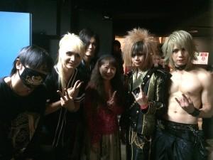 タイのバンドMaleRoseと一緒に、パチリ。
