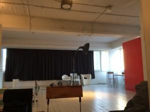 この写真だとフツーの部屋みたいだけど、オシャレなスタジオだったのだ。