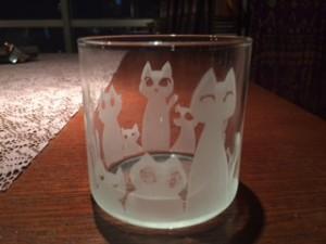 オリジナル・グラス。コンセプトは、「にゃんだらけ」です(笑)。
