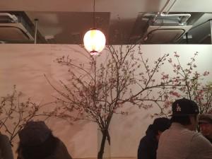 スタジオの一画に桜の花を飾って、みんなで飲みまくったのだぁ♡