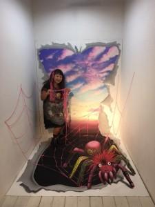 3D作品。ピンクスパイダーが、浮き出て見えます。