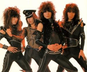 デビュー当時のACTION! 82年だから34年も前に、このヴィジュアルだったのだから、すごい。今、このバンドがいたら、絶対大人気だと思う。