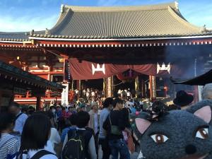 いつも混んでる浅草寺。八割くらい外国の方という印象だった。
